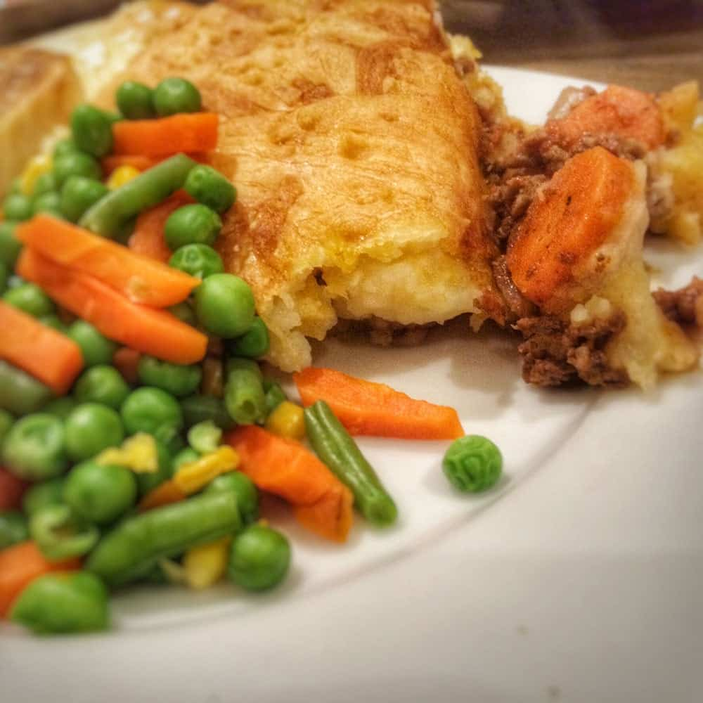 Low Fat Shepherds Pie - Healthy Shepherds Pie recipe, perfect for those on Slimming World. Made with beef that is below 5% fat | AmateurChef.co.uk