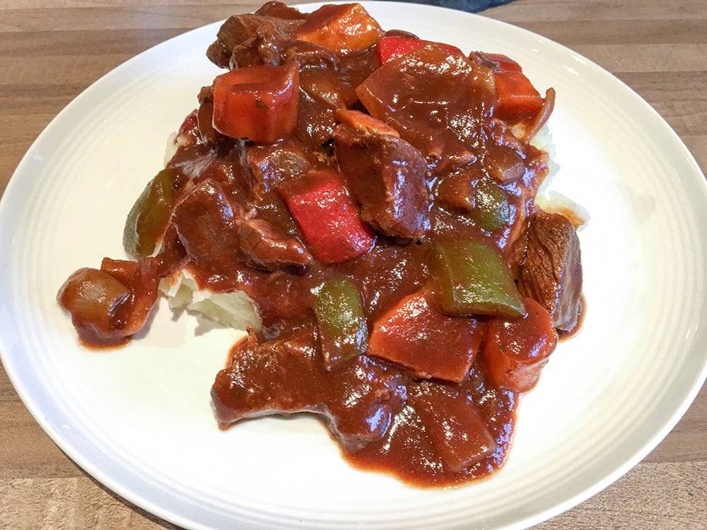Balsamic Slow Cooked Beef Stew Recipe - Easy one pot recipe, tasty beef stew with peppers, onion and sweet potato - http://amateurchef.wpengine.com