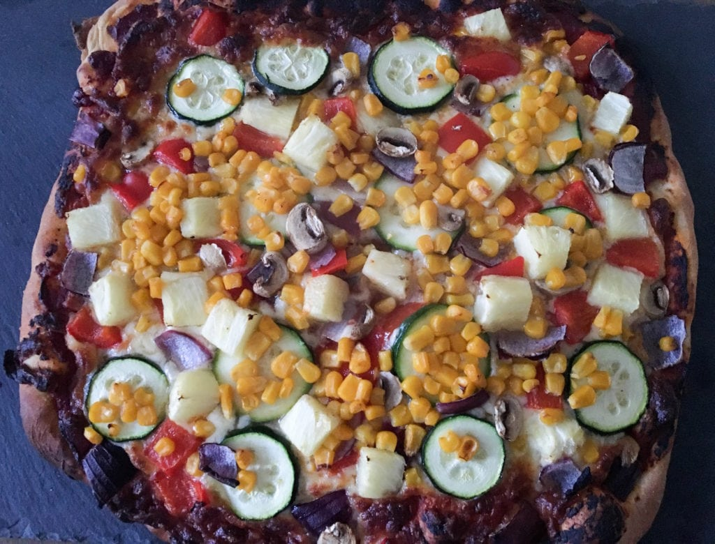 homemade vegetarian pizza recipe - Tasty veggie Pizza, easy to make and tastes incredible - http://www.amateurchef.co.uk