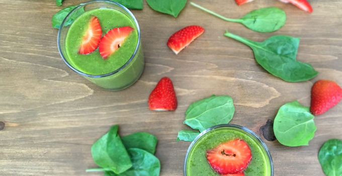 Strawberry, Mango and Spinach Smoothie