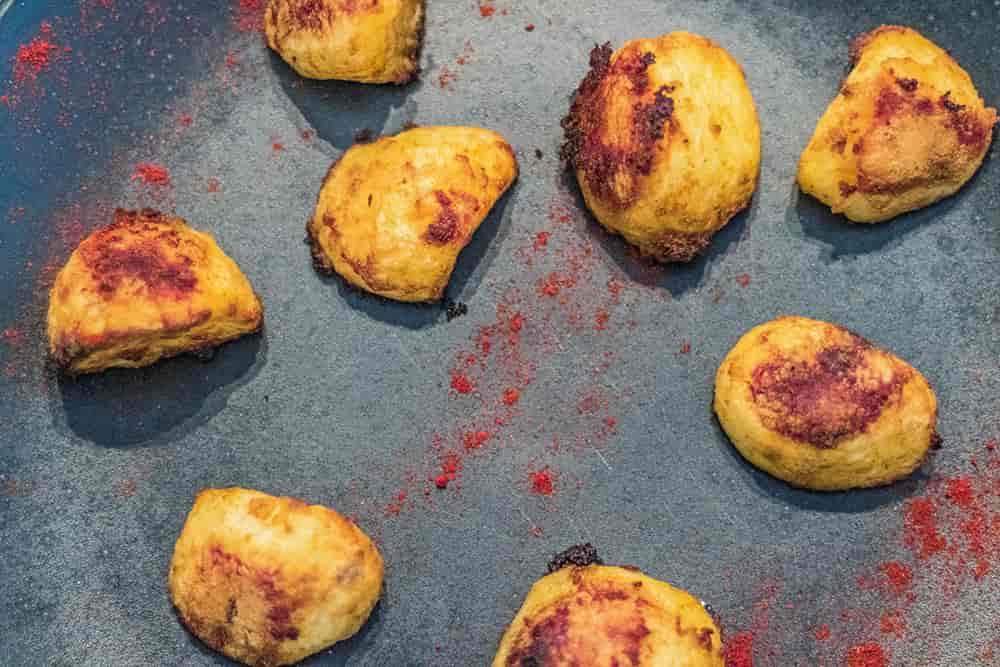 Yummy Roast Potatoes that are seasoned with Paprika | AmateurChef.co.uk